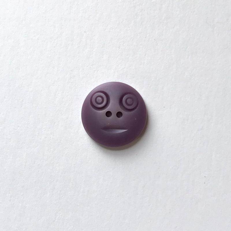 スマイルボタン ( Mサイズ パープル)