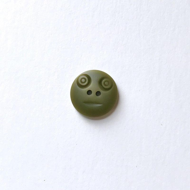 スマイルボタン  (Sサイズ カーキ)