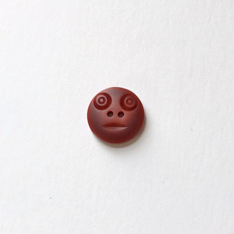 スマイルボタン (Sサイズ ブラウン)