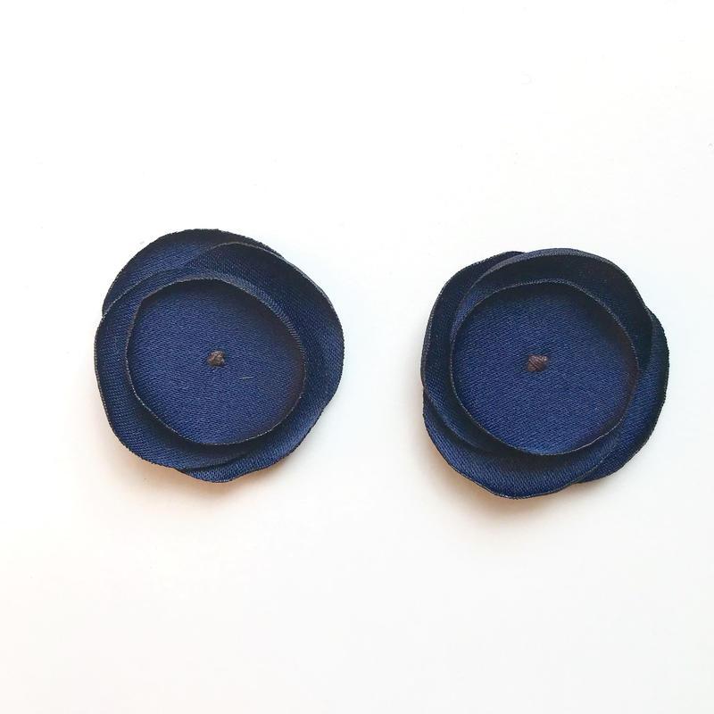 サテンフラワー(ネイビー)2枚セット