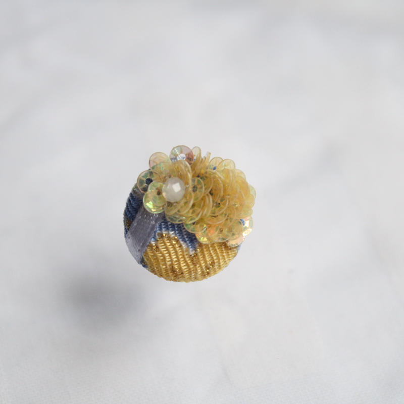 刺繍ブローチ(Kurumi和)ムーンストーン(6月誕生石)