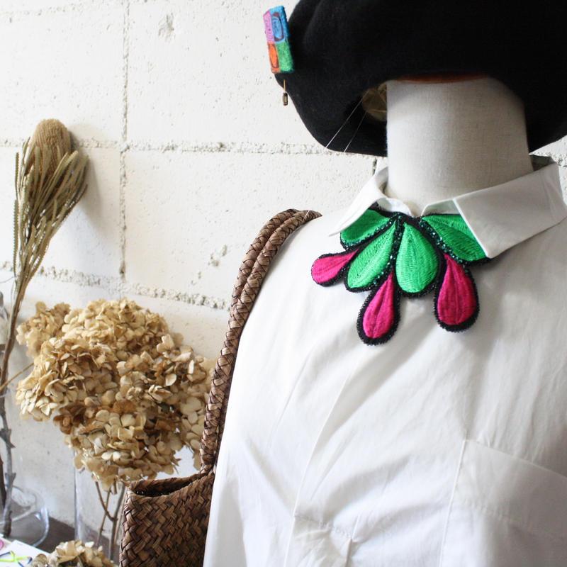 刺繍ネックレス