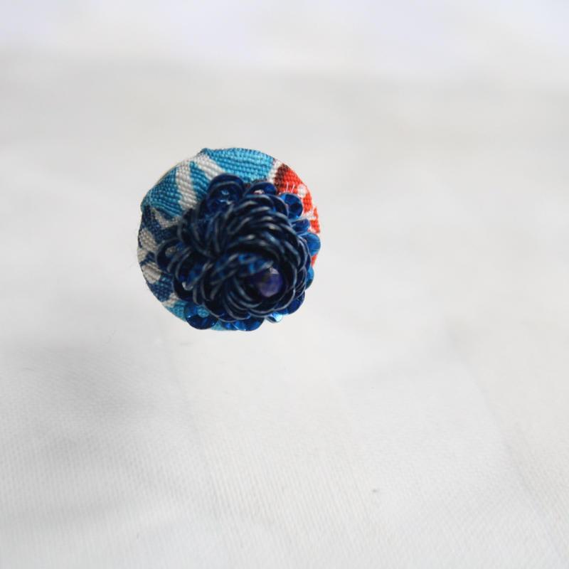 刺繍ブローチ(Kurumi和)ラピスラズリ(9月誕生石)