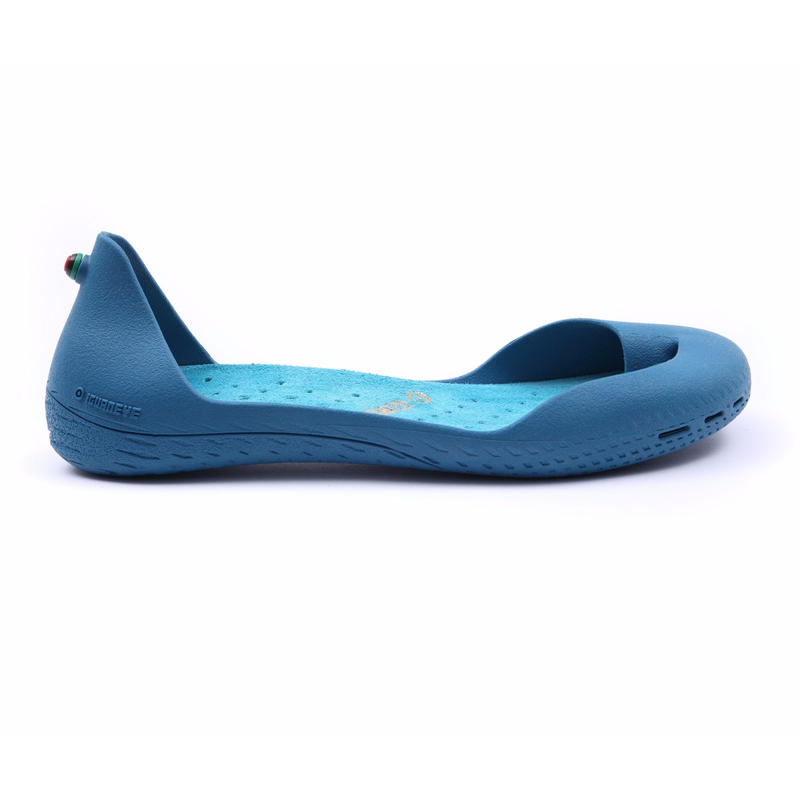 Cobalt Blue ボディ (Turquoise Blue インソール)