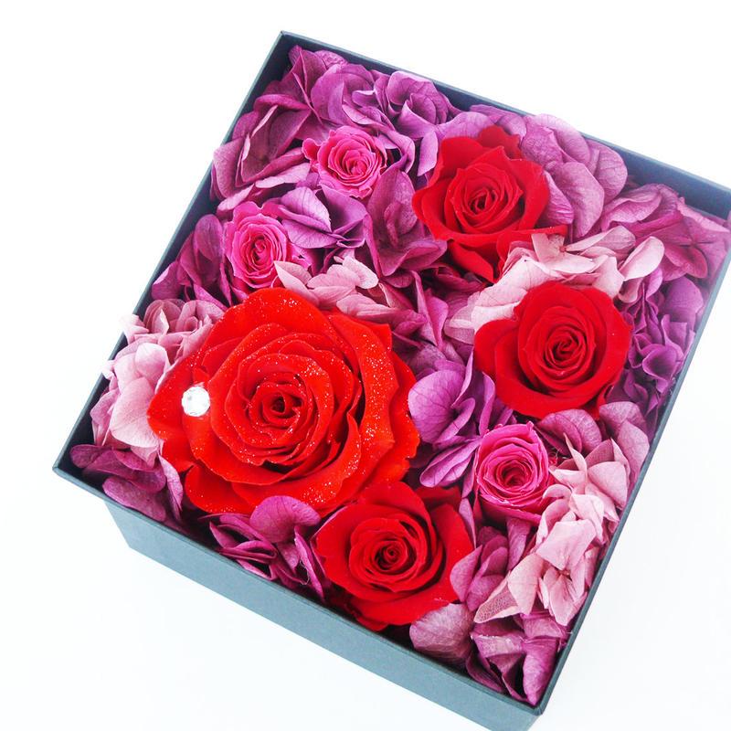 ダイヤモンドプリザーブドローズのボックスアレンジメント【red】