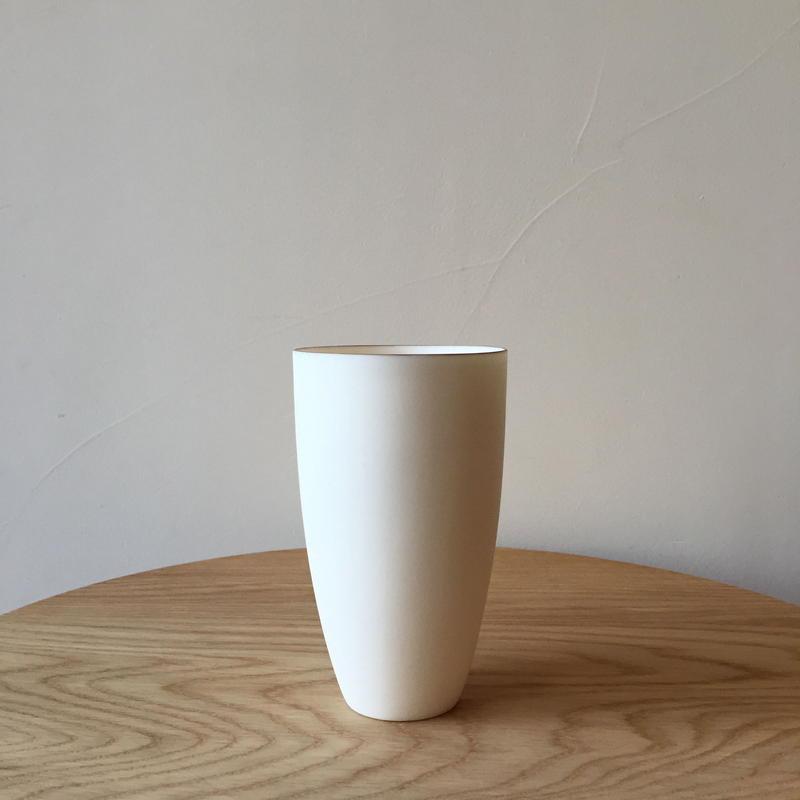 青木良太さん/ホワイトカップ(M)