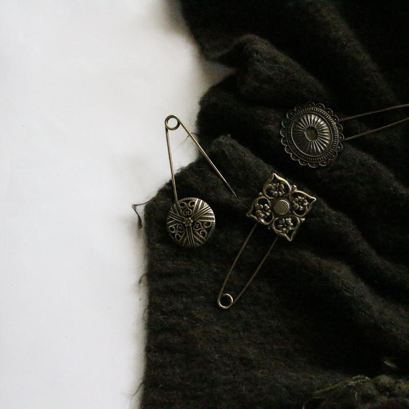 Antique hold pin