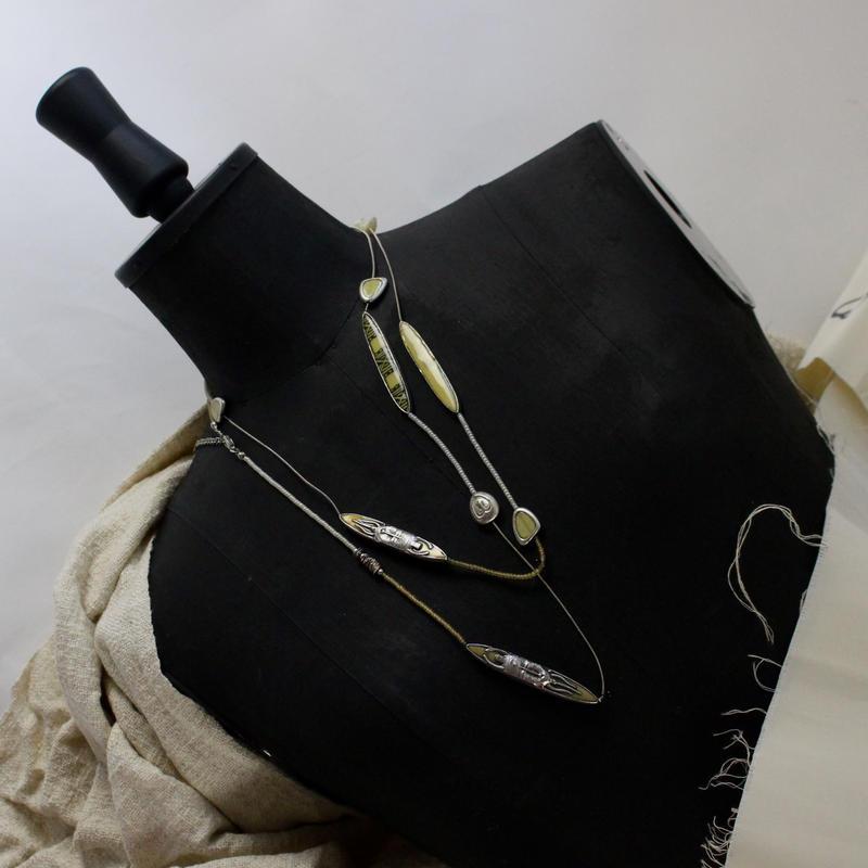 antiques 10-1 yappi  necklace