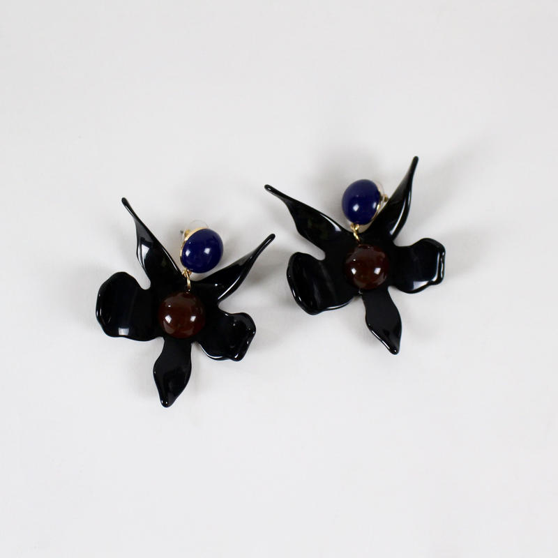 black flower acrylic earrings