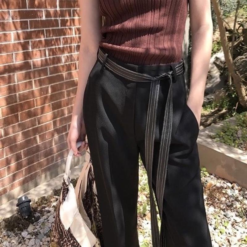 chic streamer design pants