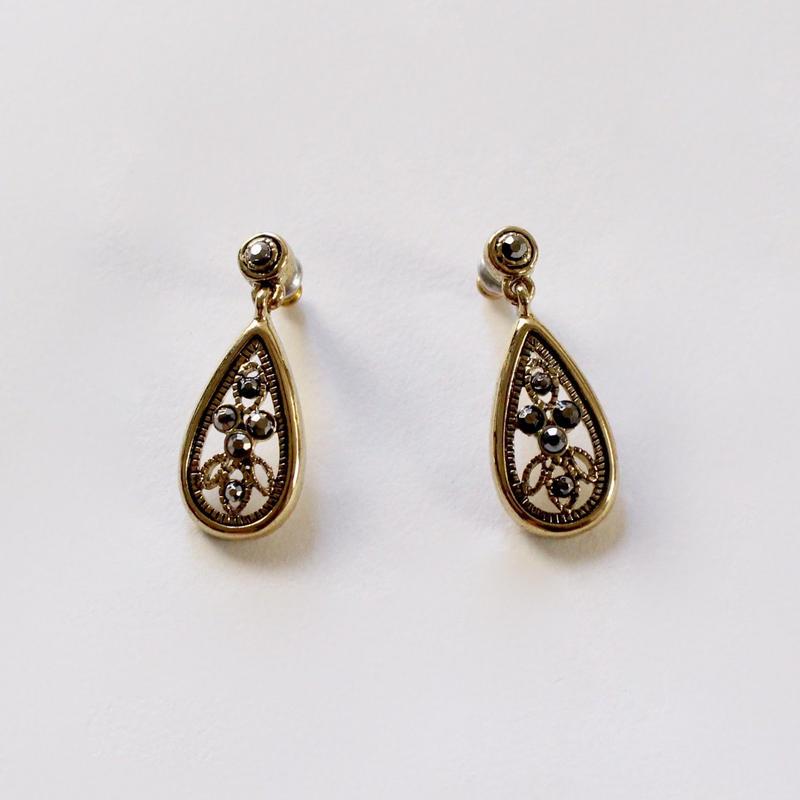 vintage d-5 baroque earrings