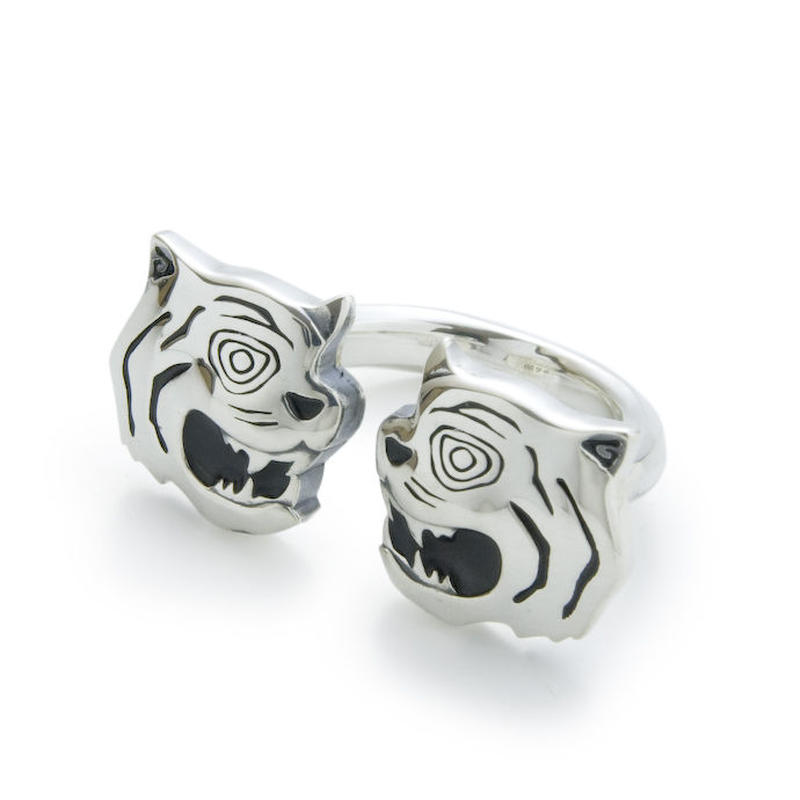 Twin Tiger Ring