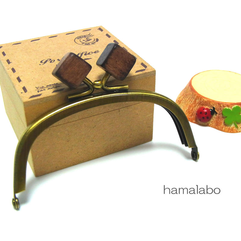 【HA-1264】10cm/くし型(茶色の木キューブ×アンティークゴールド)