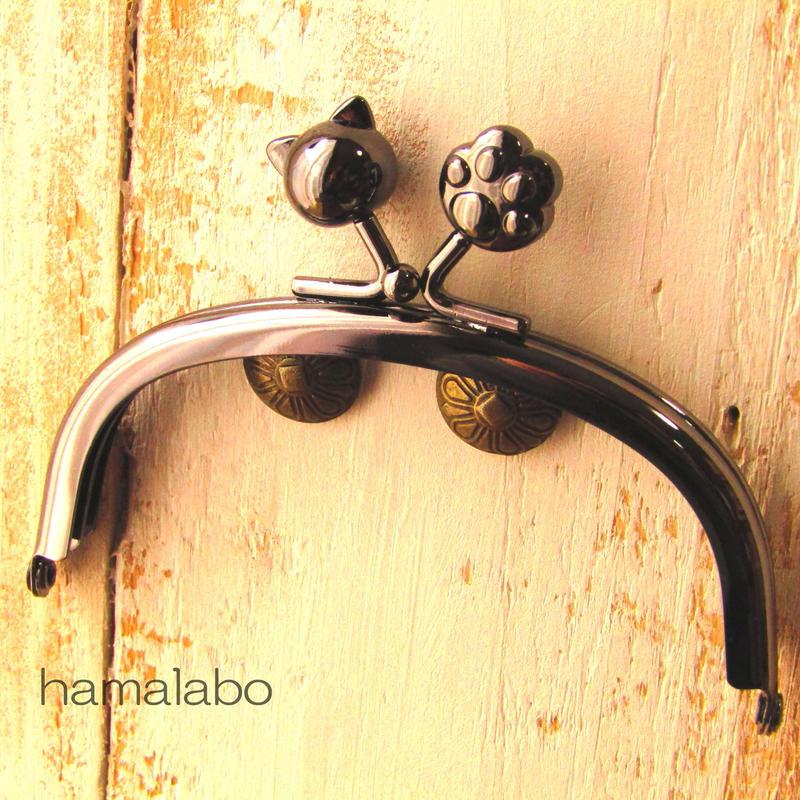 【HA-463】10cm/くし型(ネコ玉×肉球)・ブラック