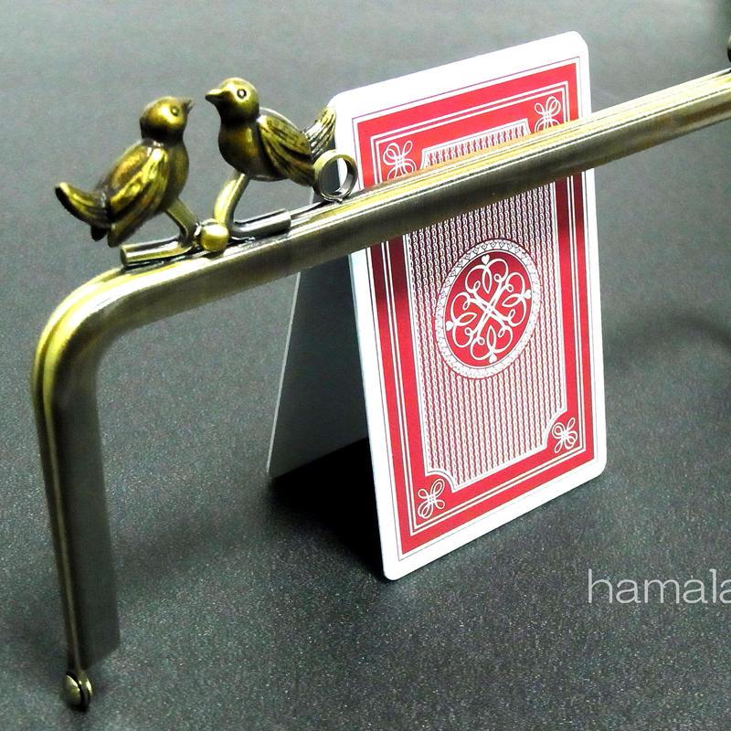 【HA-173】<横ひねり>18cm/角型の口金(小鳥のピースケ×アンティークゴールド)・カン付き