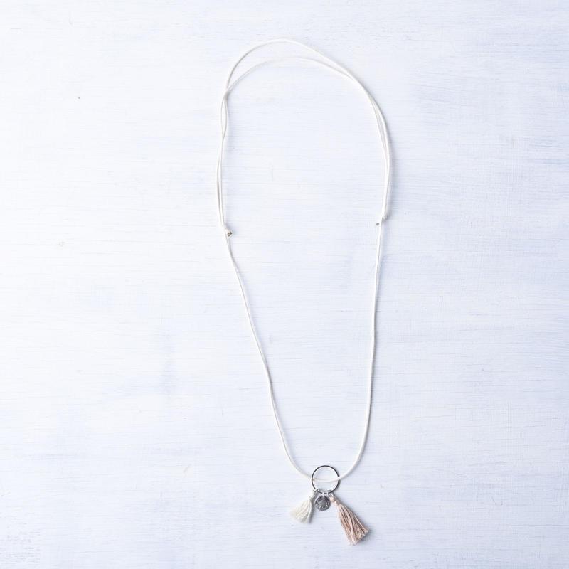 ダブルタッセルネックレス(ラテ&アイボリー) / Double Tassel Necklace  (Latte&Ivory) [SE171N15]
