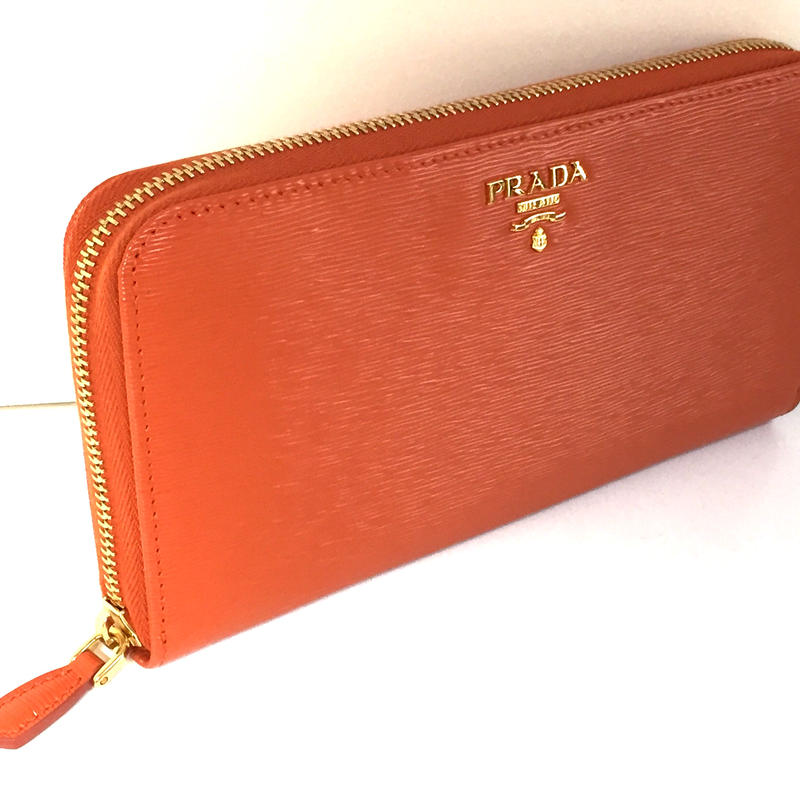 PRADA VITELLO MOVE 品番:1M0506 財布