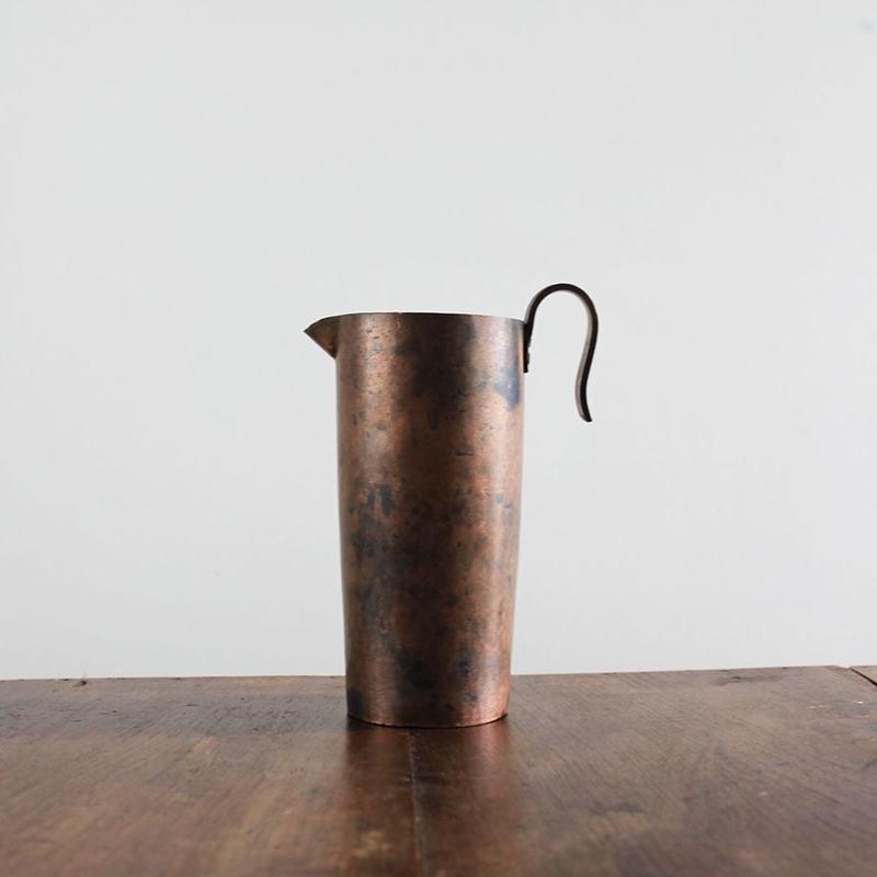 no325   銅のピッチャー