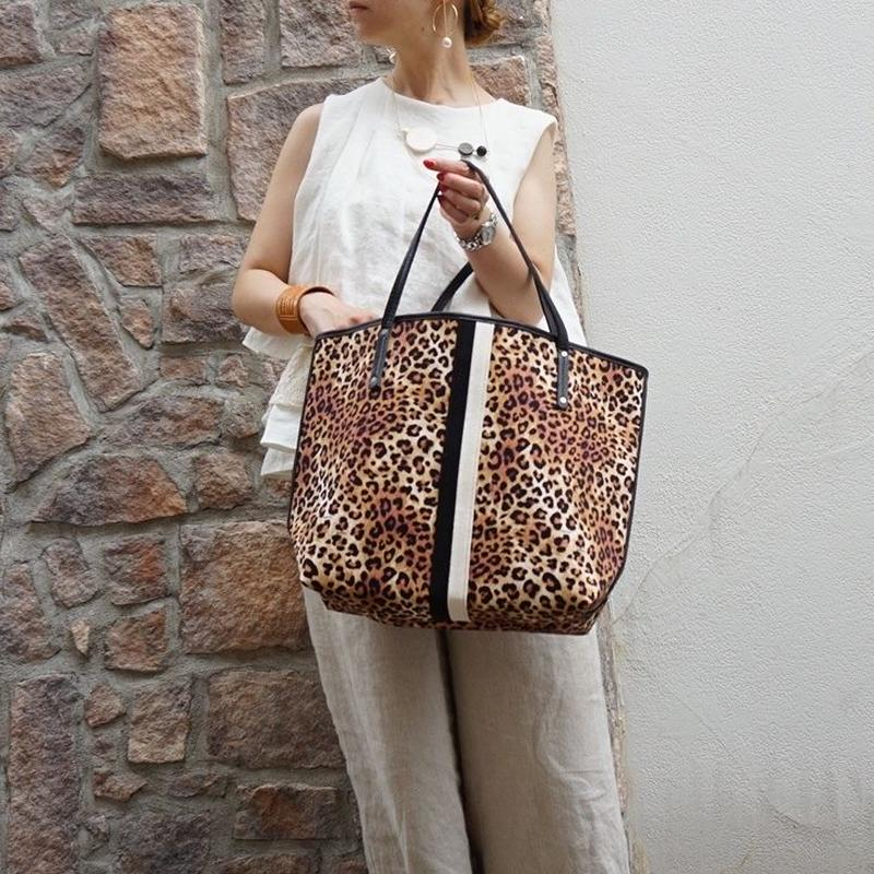 新作 holiday tote L original leopard