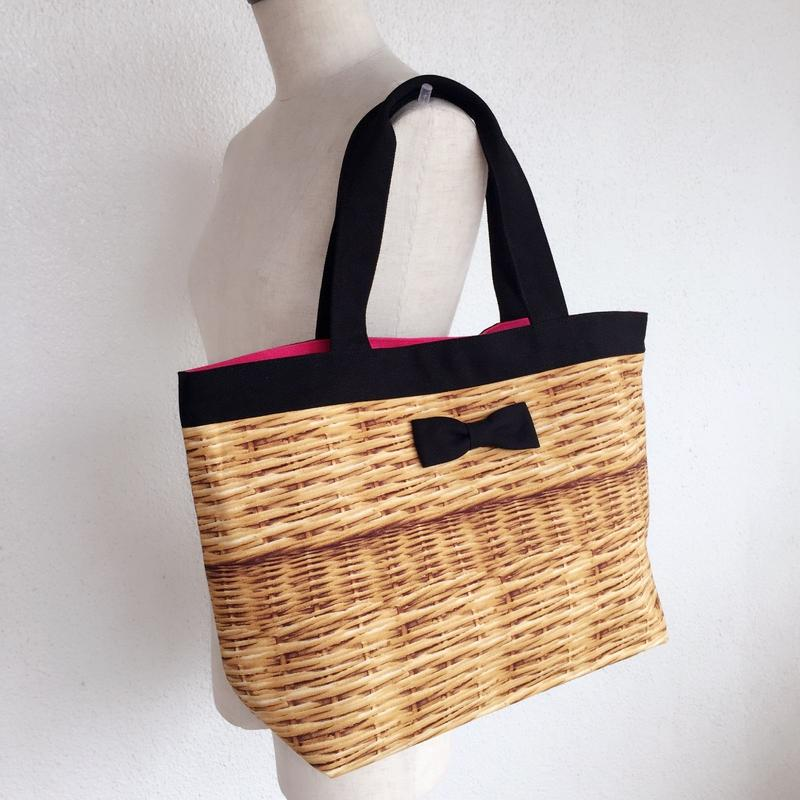 basic tote fake basket black
