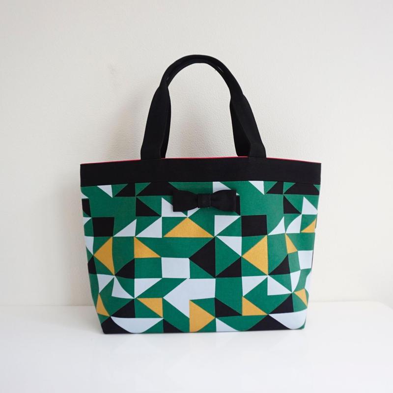 新作 basic tote glossy green