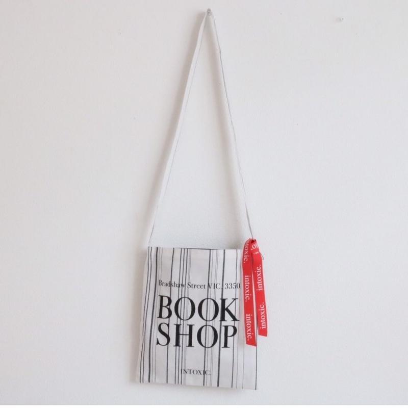 book shop  dad white