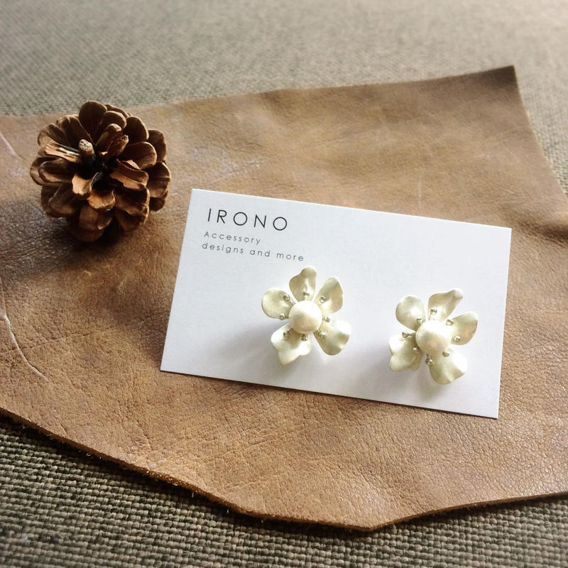 Flower cotton pearl silver / ピアス / イヤリング