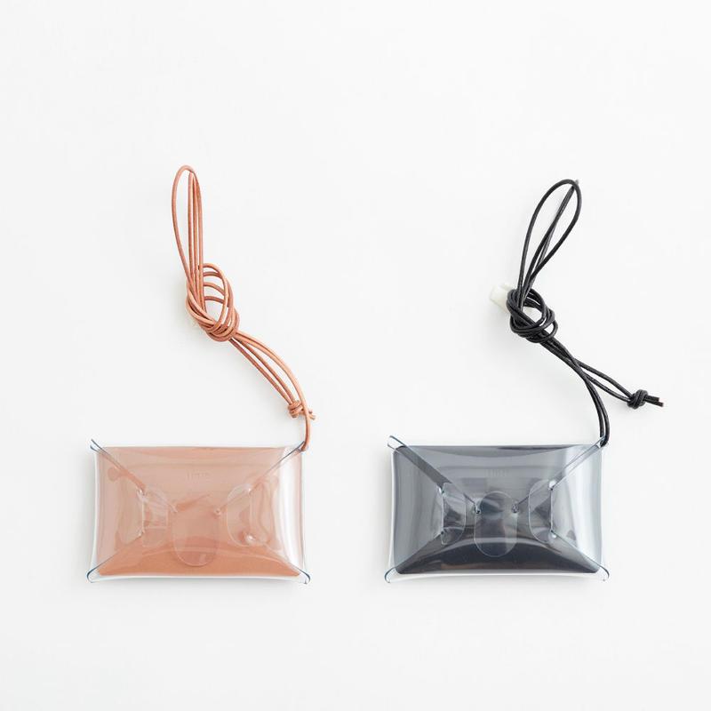 seamless ID case : nude / black