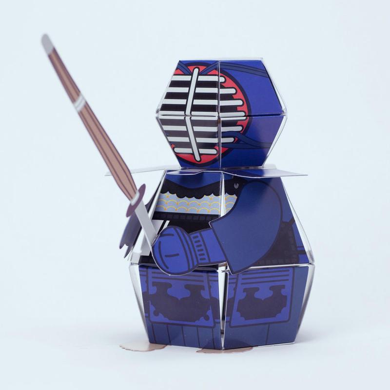 """ポップアップペーパークラフト """"不屈の剣道家"""" 藍 / 白"""