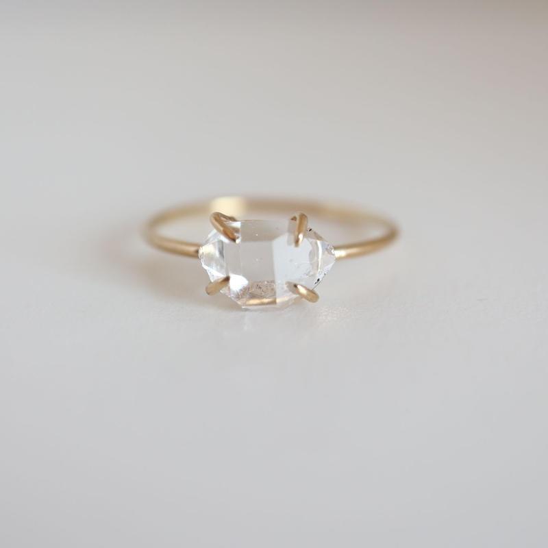 K18 & DIAMOND QUARTZ   RING
