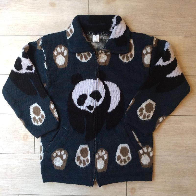 カウンチセーター風 パンダ柄のニットジャケット