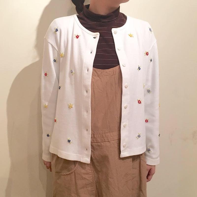 カラフル小花柄刺繍カーディガン
