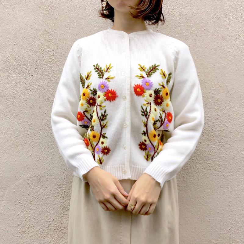 1970's~ お花刺繍ニットカーディガン