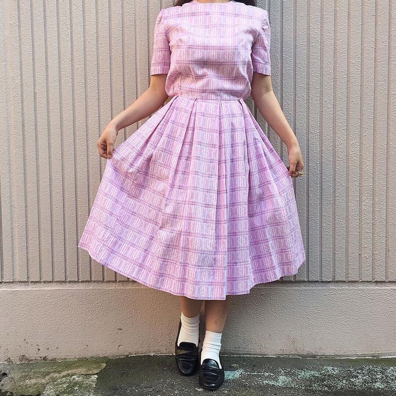 1950's ピンクモザイクタイル柄ワンピース