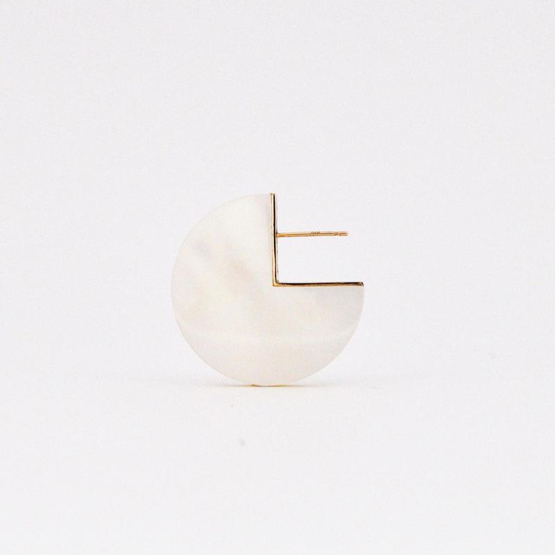 SLICE PAC EARRING 白蝶貝01[片耳/一点もの]