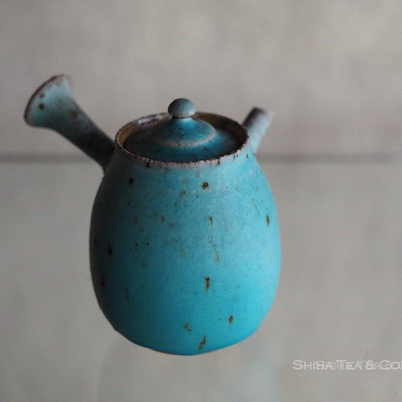 Blue wood firing grey ash white clay Japanese teapot