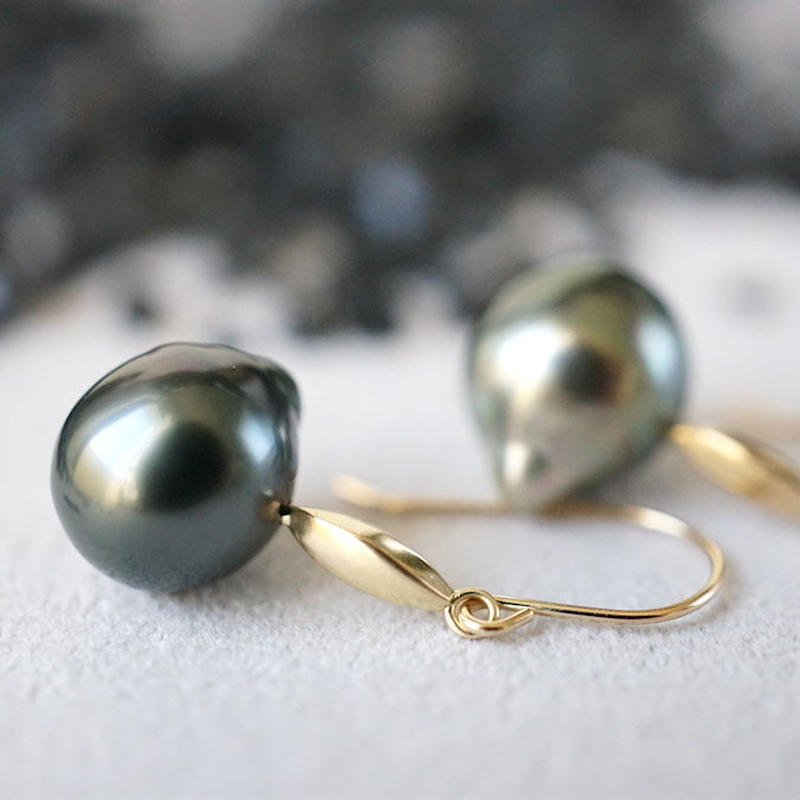 Tahitian pearl earrings / Dagger / Hook