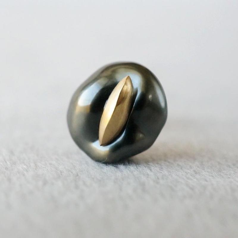 Tahitian pearl earring / Dagger / Single