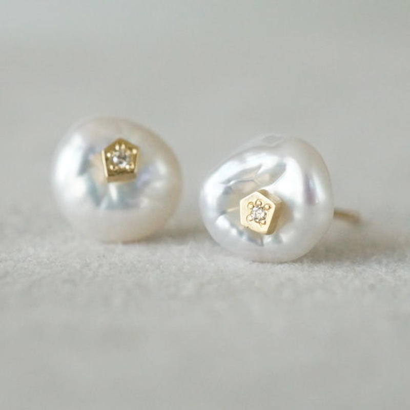 Freshwater pearl earrings / Polygon / Dia