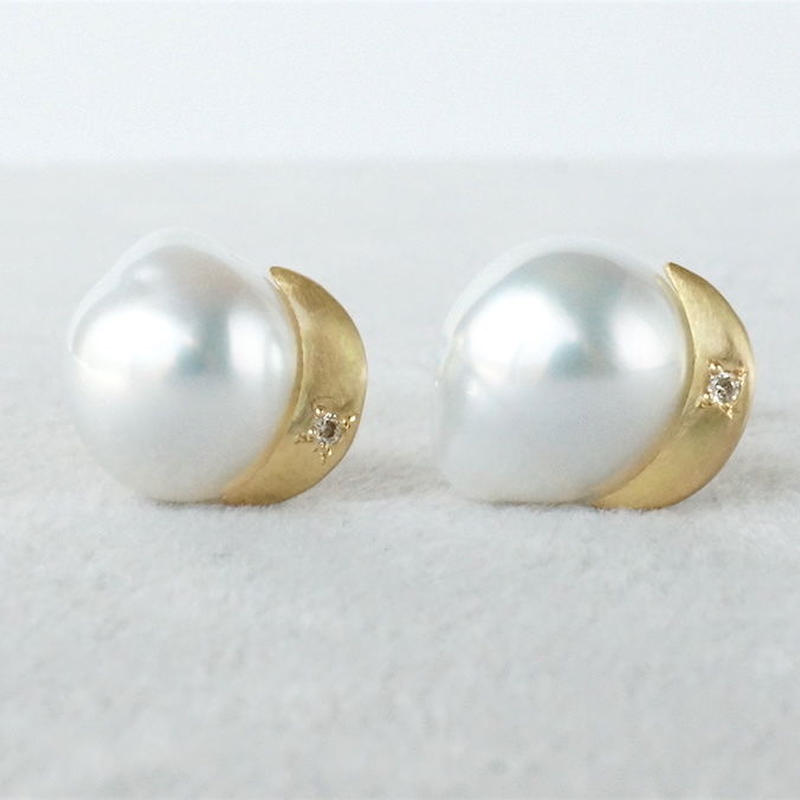 South-sea pearl earrings / Crescent / Dia