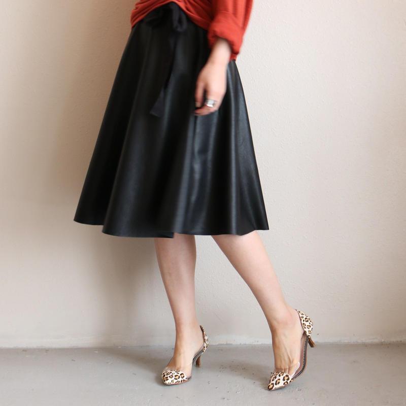 PUレザーフレアスカート