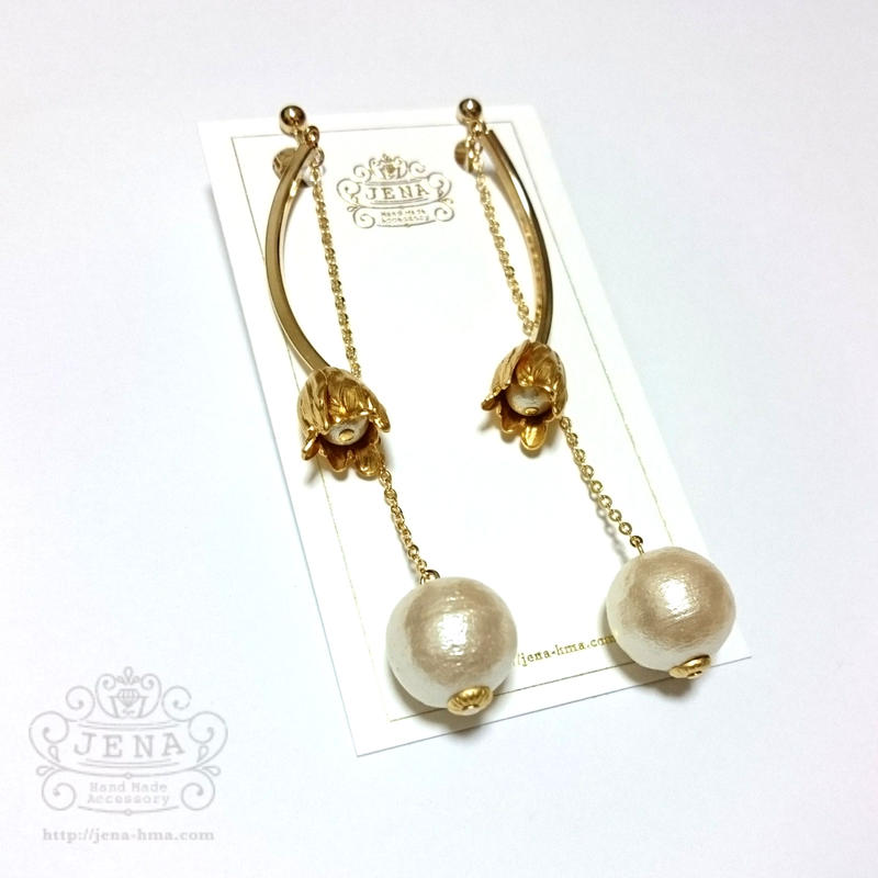 Antique flower long pearl  イヤリング/ピアス