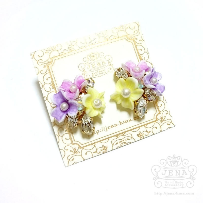 Triple flowers 【colorful】イヤリング/ピアス