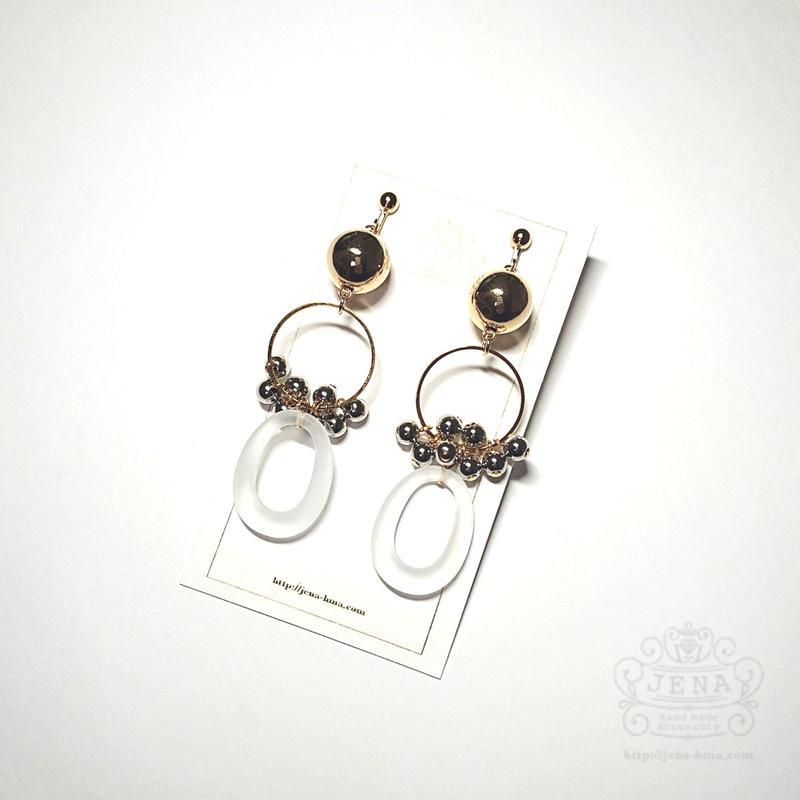 Acrylic hoop & Metallic 2 イヤリング/ピアス
