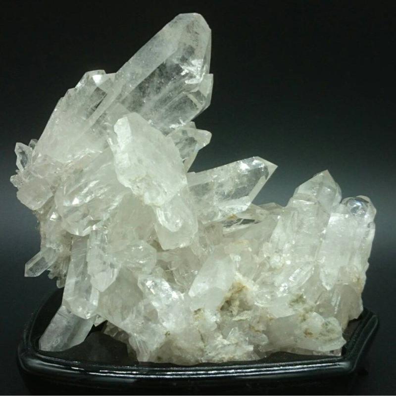 水晶クラスター(台付き)