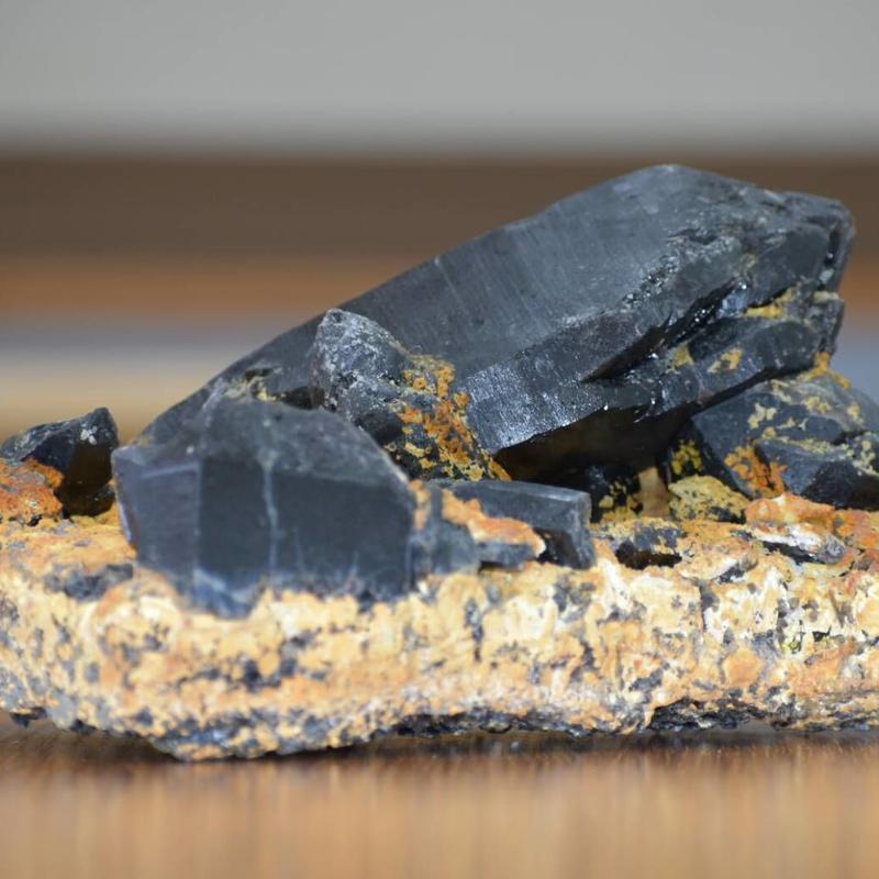 モリオン(黒水晶)クラスター