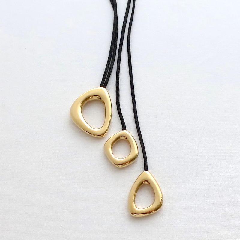 Necklace Ovalo 18KYG 01