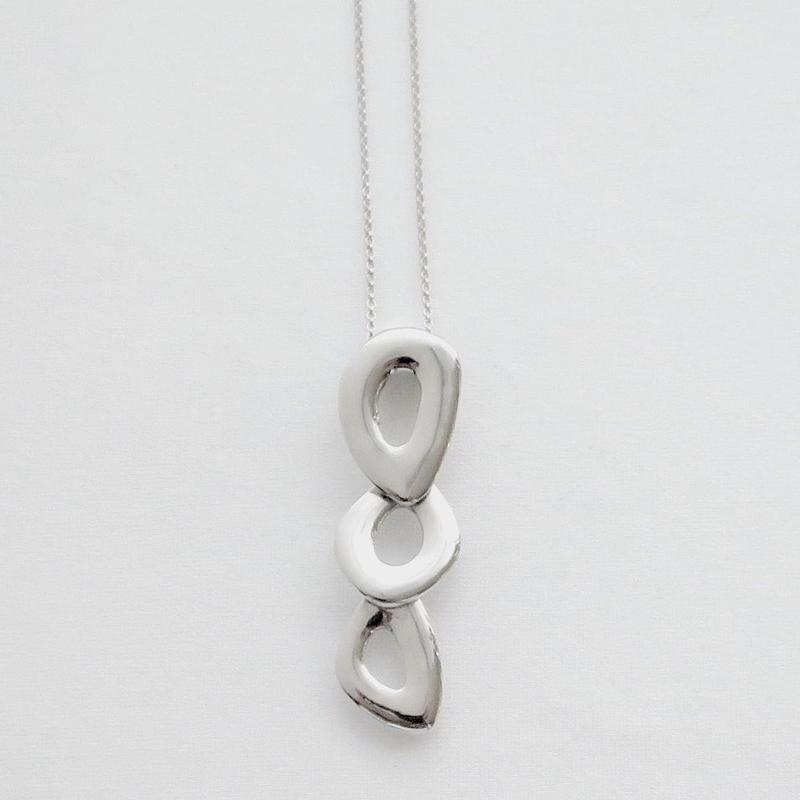 Necklace Ovalo 18KWG 01
