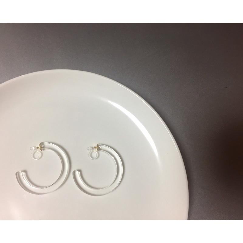 ear -5 acrylic hoop earrings<clear,black,glass>