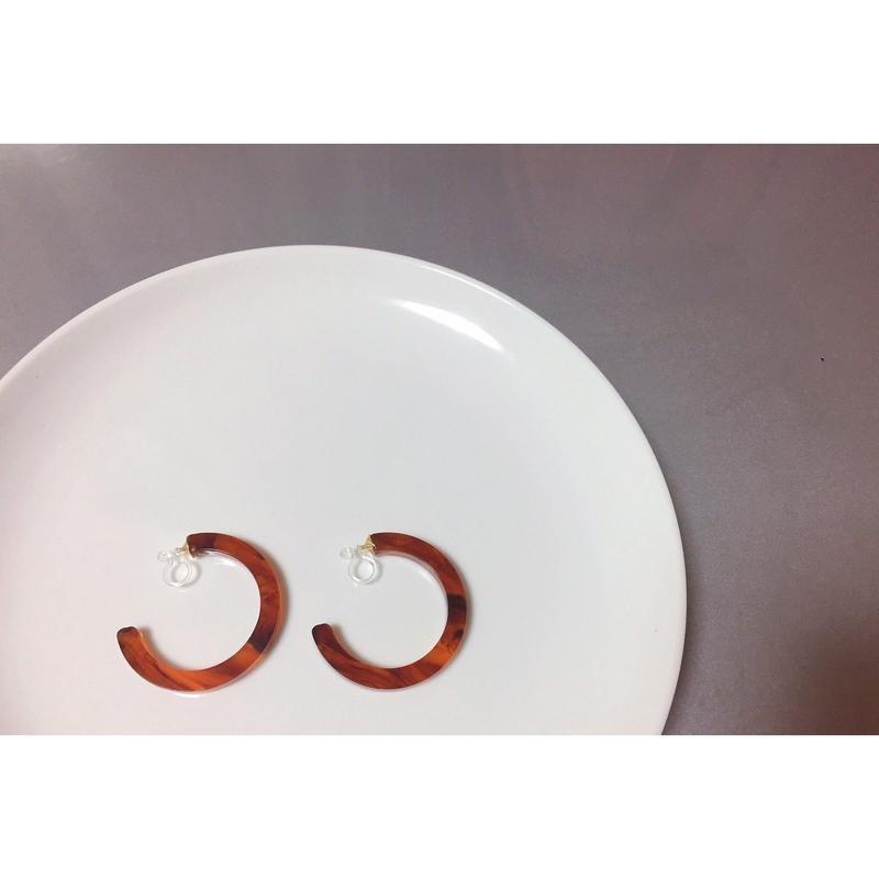 ear-4 acrylic hoop earrings<marble,べっ甲>
